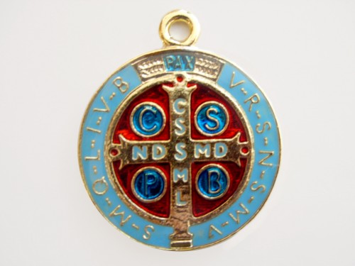 Medalhas de São Bento, folheada a ouro e resinada - 48mm
