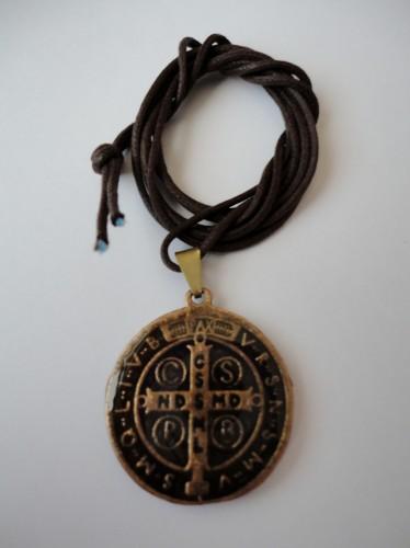 Medalha de São Bento Resinada 25mm